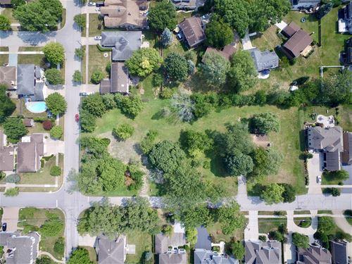 1501 S Douglas, Arlington Heights, IL 60005