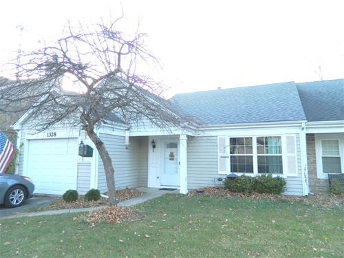 1328 Huntington, Mundelein, IL 60060