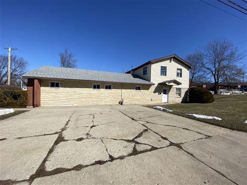 1701 Papoose, Carpentersville, IL 60110