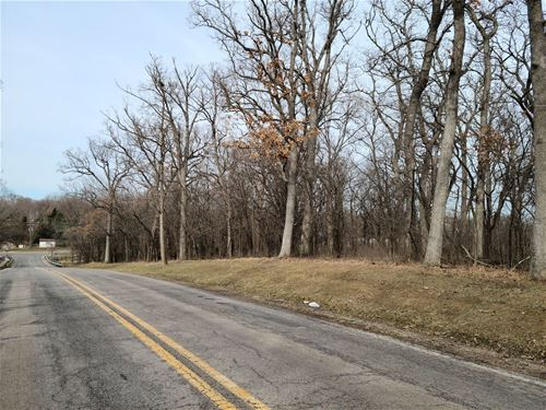 000 Oak Ridge, Carpentersville, IL 60110