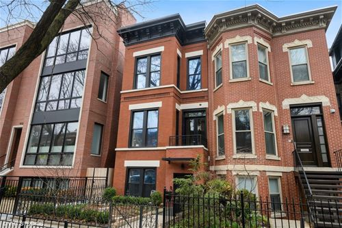 908 W Webster, Chicago, IL 60614