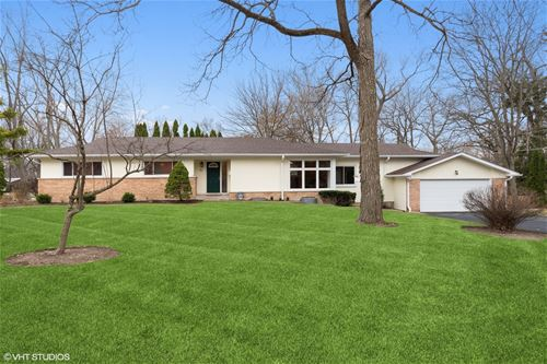 854 Apple Tree, Highland Park, IL 60035