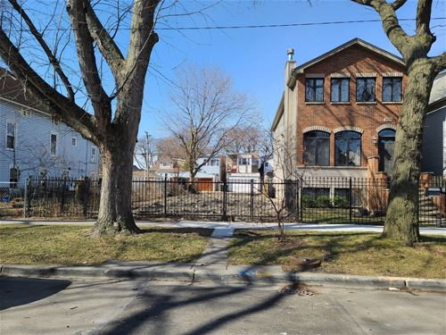 4706 N Avers, Chicago, IL 60625