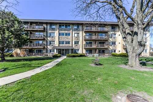 2214 S Goebbert Unit 281, Arlington Heights, IL 60005