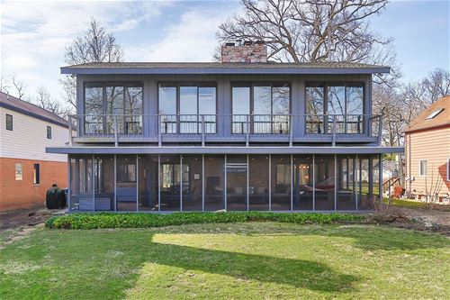 106 Hickory Nut Grove, Cary, IL 60013