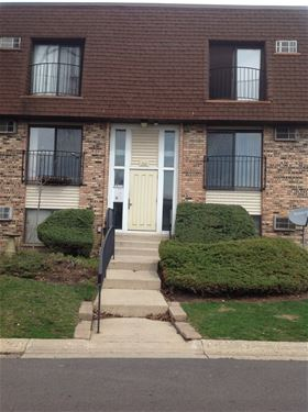 200 S Waters Edge Unit 302, Glendale Heights, IL 60139
