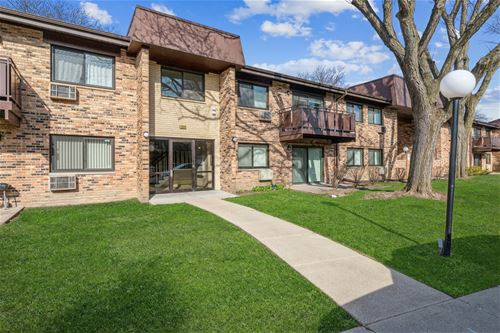 2614 N Windsor Unit 203, Arlington Heights, IL 60004