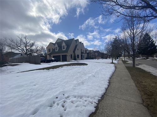 1680 Shermer, Northbrook, IL 60062