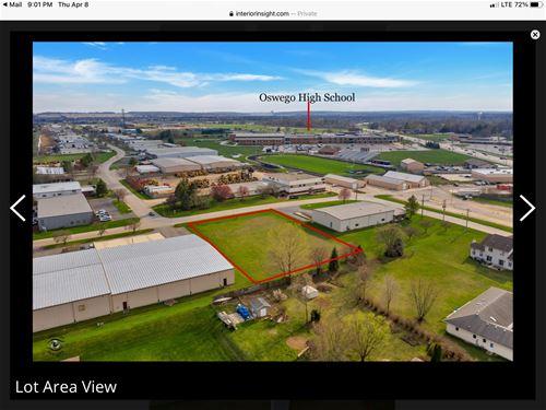8 Stonehill, Oswego, IL 60543