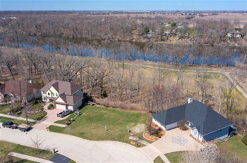 207 Windham, Yorkville, IL 60560