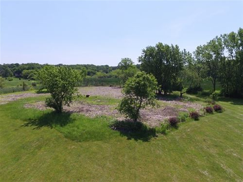 225 Honey Lake, North Barrington, IL 60010
