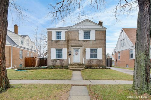 1952 Portsmouth, Westchester, IL 60154