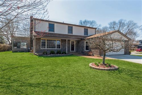 2003 E Canterbury, Arlington Heights, IL 60004