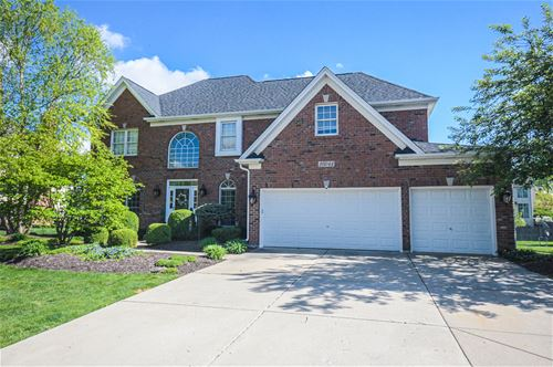 26044 Whispering Woods, Plainfield, IL 60585