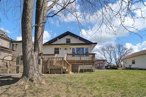 752 Diamond Lake, Mundelein, IL 60060