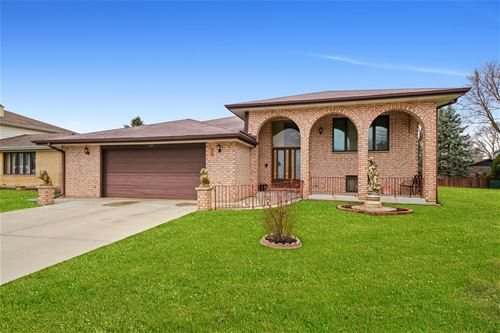 1420 W Russell, Arlington Heights, IL 60005