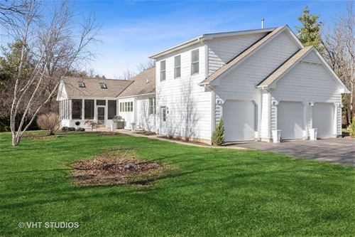 3417 S Country Club, Woodstock, IL 60098