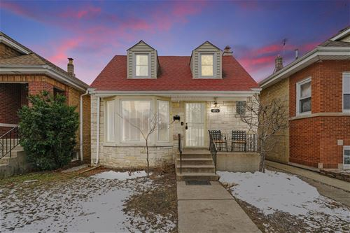 4850 N Meade, Chicago, IL 60630