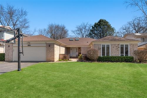 805 Woodleigh, Highland Park, IL 60035