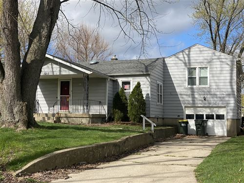 1215 Cherry, Lake In The Hills, IL 60156