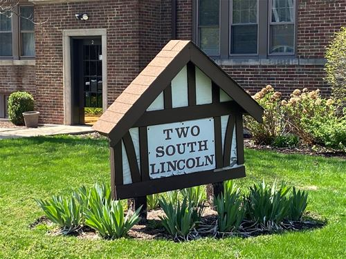 2 S Lincoln Unit 1A, Park Ridge, IL 60068
