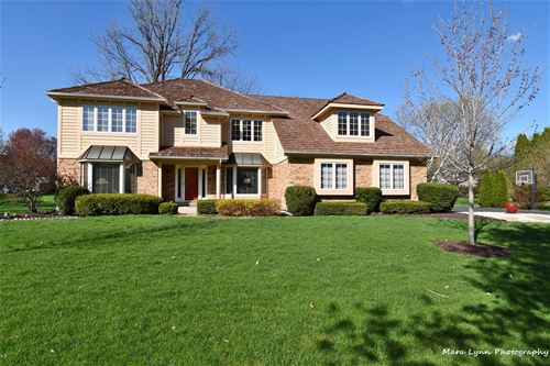 320 Persimmon, St. Charles, IL 60174