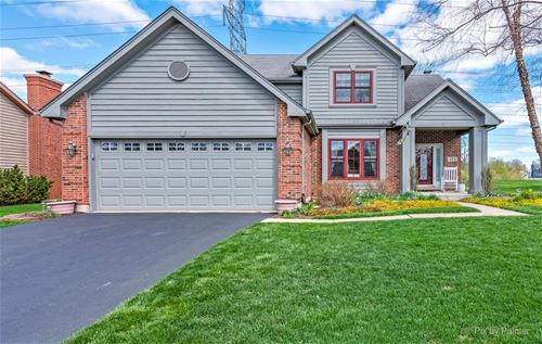 755 Crest, Cary, IL 60013