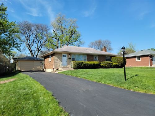 18 8th, Downers Grove, IL 60515