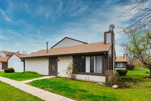 5624 Santa Barbara, Hanover Park, IL 60133
