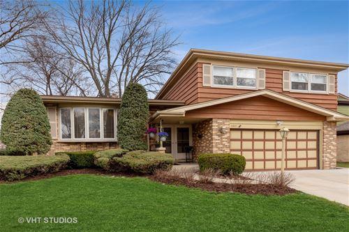 2302 E Michael Manor, Arlington Heights, IL 60004