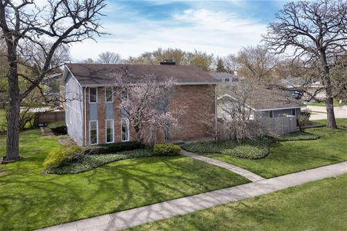 1705 Berkeley, Deerfield, IL 60015