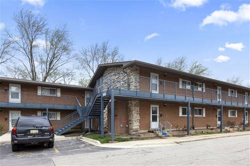 1840 W Hatherleigh Unit 2A, Mount Prospect, IL 60056