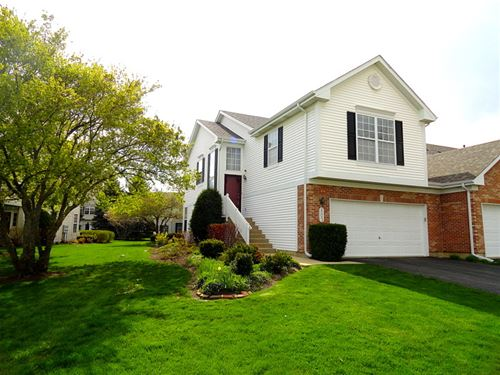 803 Crossing, St. Charles, IL 60174
