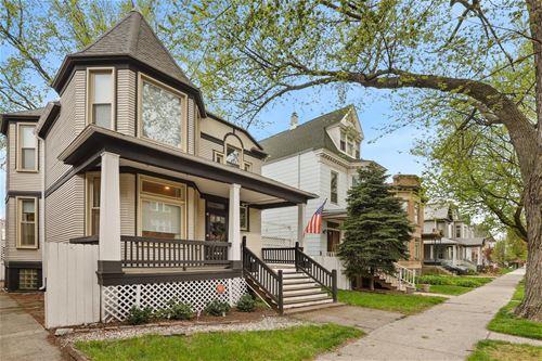 1821 W Byron, Chicago, IL 60613