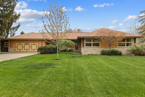 1040 N Forrest, Arlington Heights, IL 60004