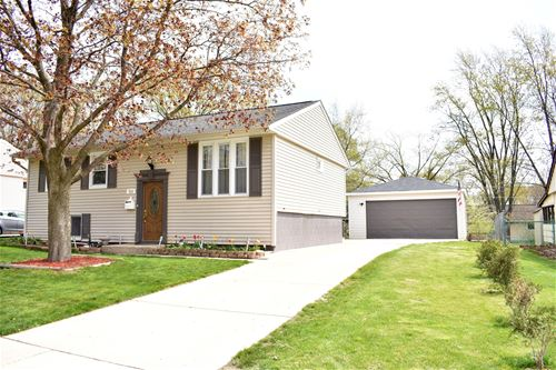 513 Waverly, Streamwood, IL 60107
