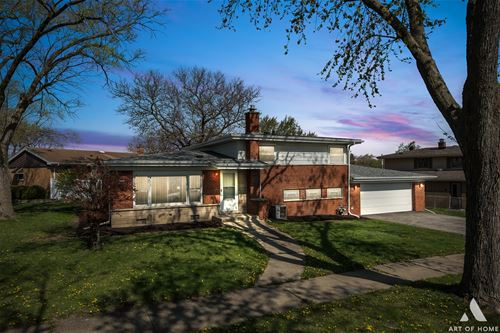 348 Constance, Chicago Heights, IL 60411