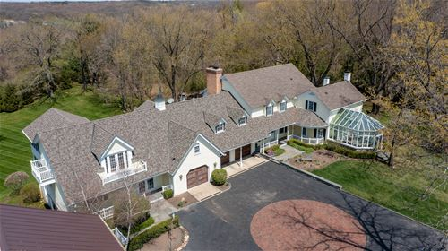 1517 S Valley Hill, Woodstock, IL 60098