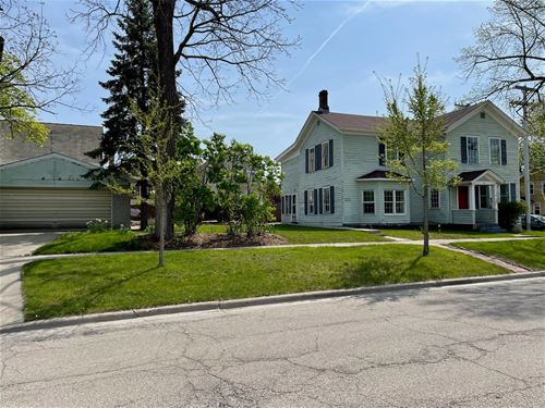 18 S 3rd, St. Charles, IL 60174