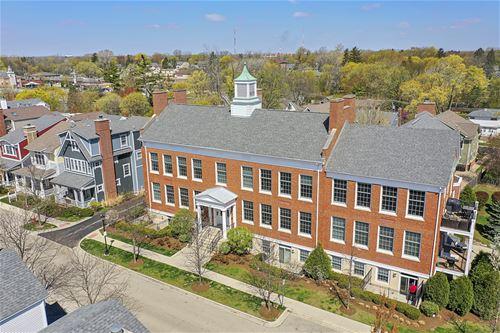 154 School Unit 205, Libertyville, IL 60048