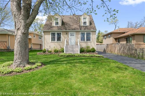 4022 N Lincoln, Westmont, IL 60559