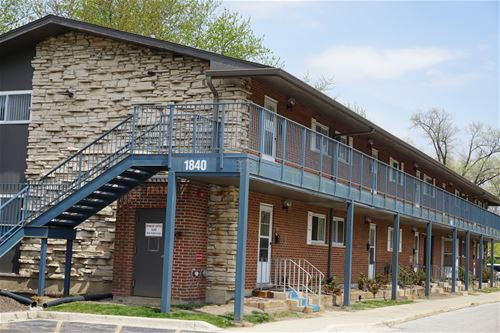 1840 W Hatherleigh Unit 1D, Mount Prospect, IL 60056