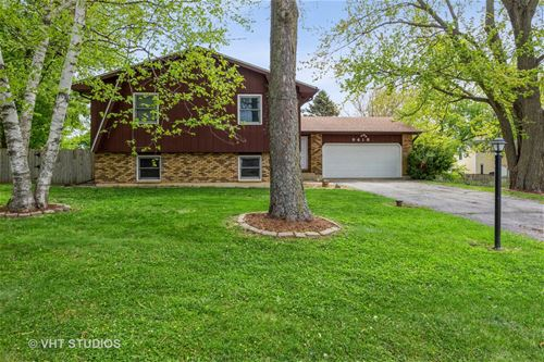 9418 1st, Cary, IL 60013
