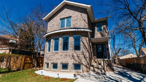 4676 W Peterson, Chicago, IL 60646