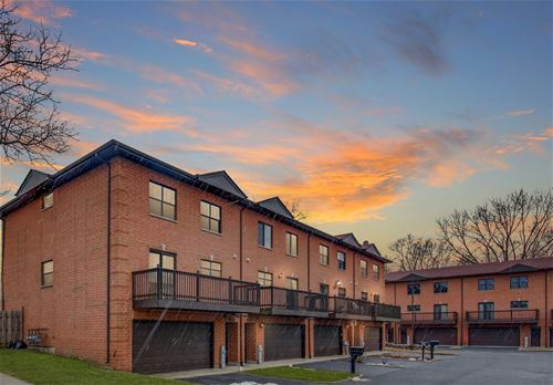1363 E Central Unit B1, Arlington Heights, IL 60005