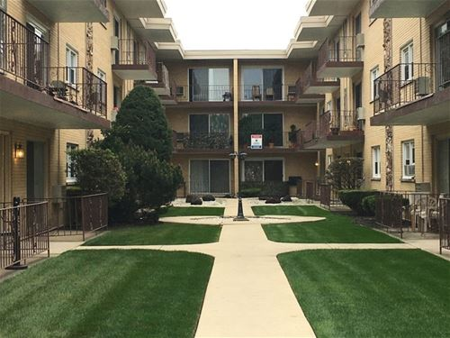 4829 N Central Unit 206, Chicago, IL 60630
