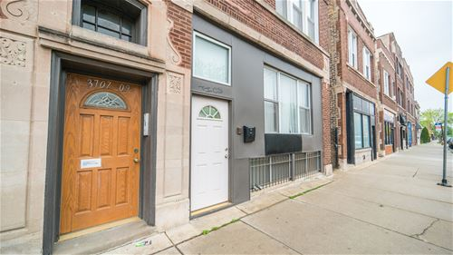 3707 W Montrose Unit 2, Chicago, IL 60618