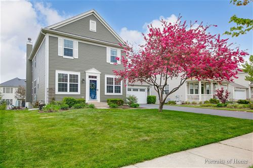 247 Valley View, St. Charles, IL 60174
