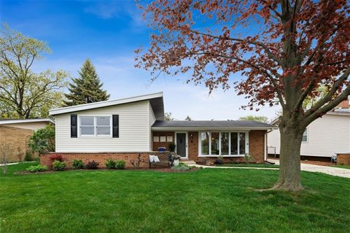 613 S Ahrens, Lombard, IL 60148