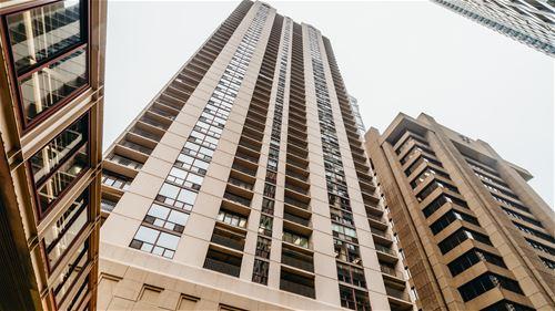 200 N Dearborn Unit 3903, Chicago, IL 60601